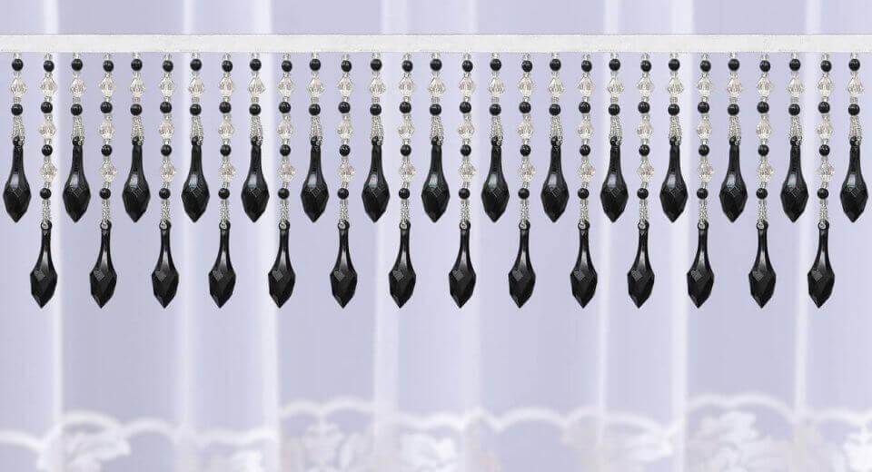 Czy firanki z kryształkami trzeba specjalnie pielęgnować?
