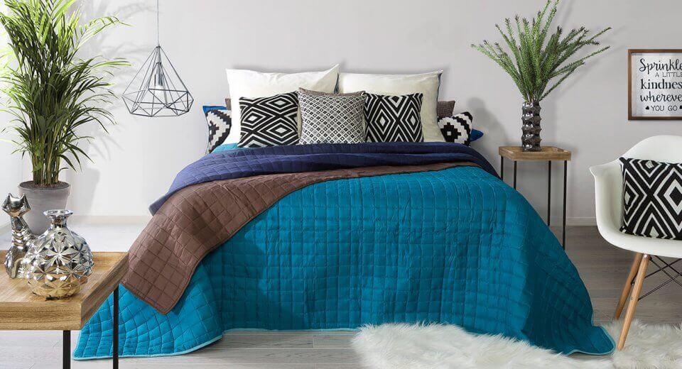 Jak dobrać narzutę na łóżko do sypialni?