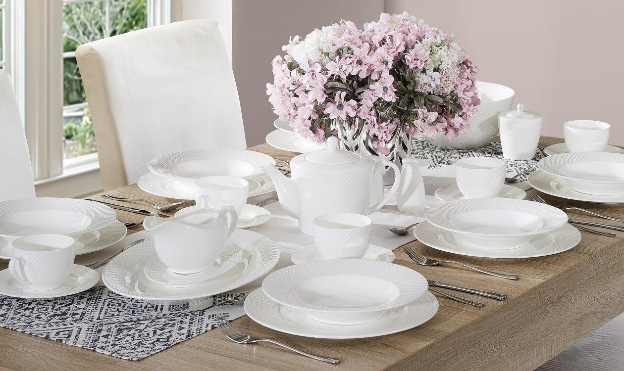 Zastawa stołowa: klasyczna czy nowoczesna – jaką wybrać?