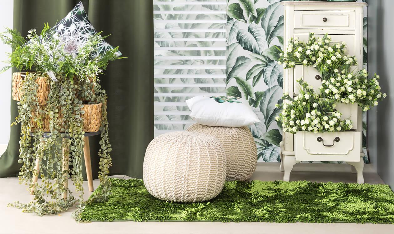 Urban jungle w Twoim domu – firany, zasłony w kwiaty – do salonu, kuchni czy sypialni