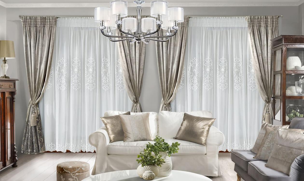 Jak urządzić nowoczesny pokój dzienny do 20m2 w stylu glamour?