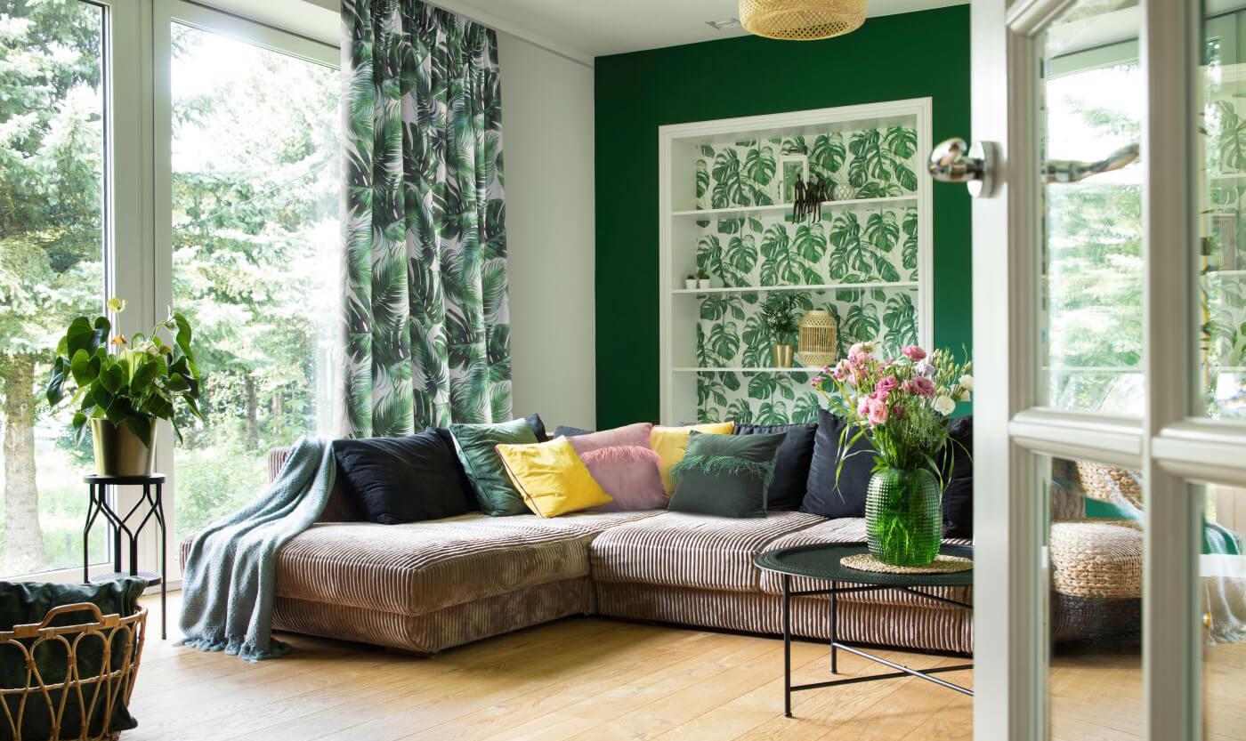 Tkaniny dekoracyjne na zasłony do salonu – jak wybrać?