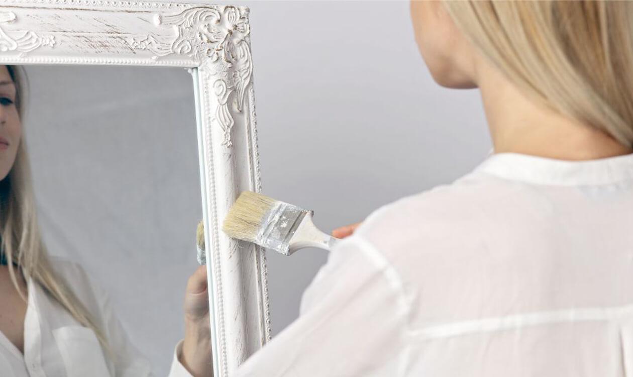 Jak udekorować lustro – zrób to sam