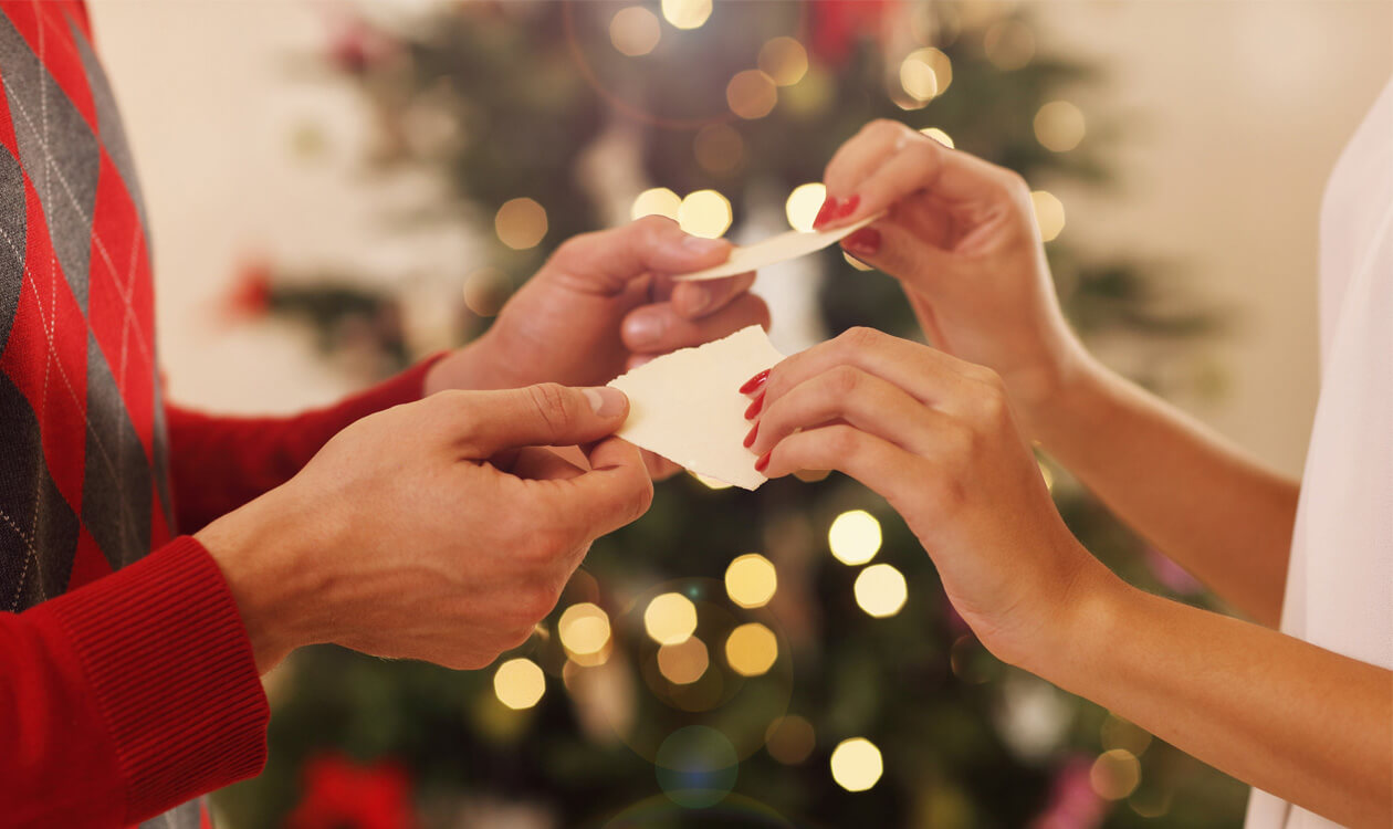 Pracownicy o zwyczajach świątecznych w swoich domach