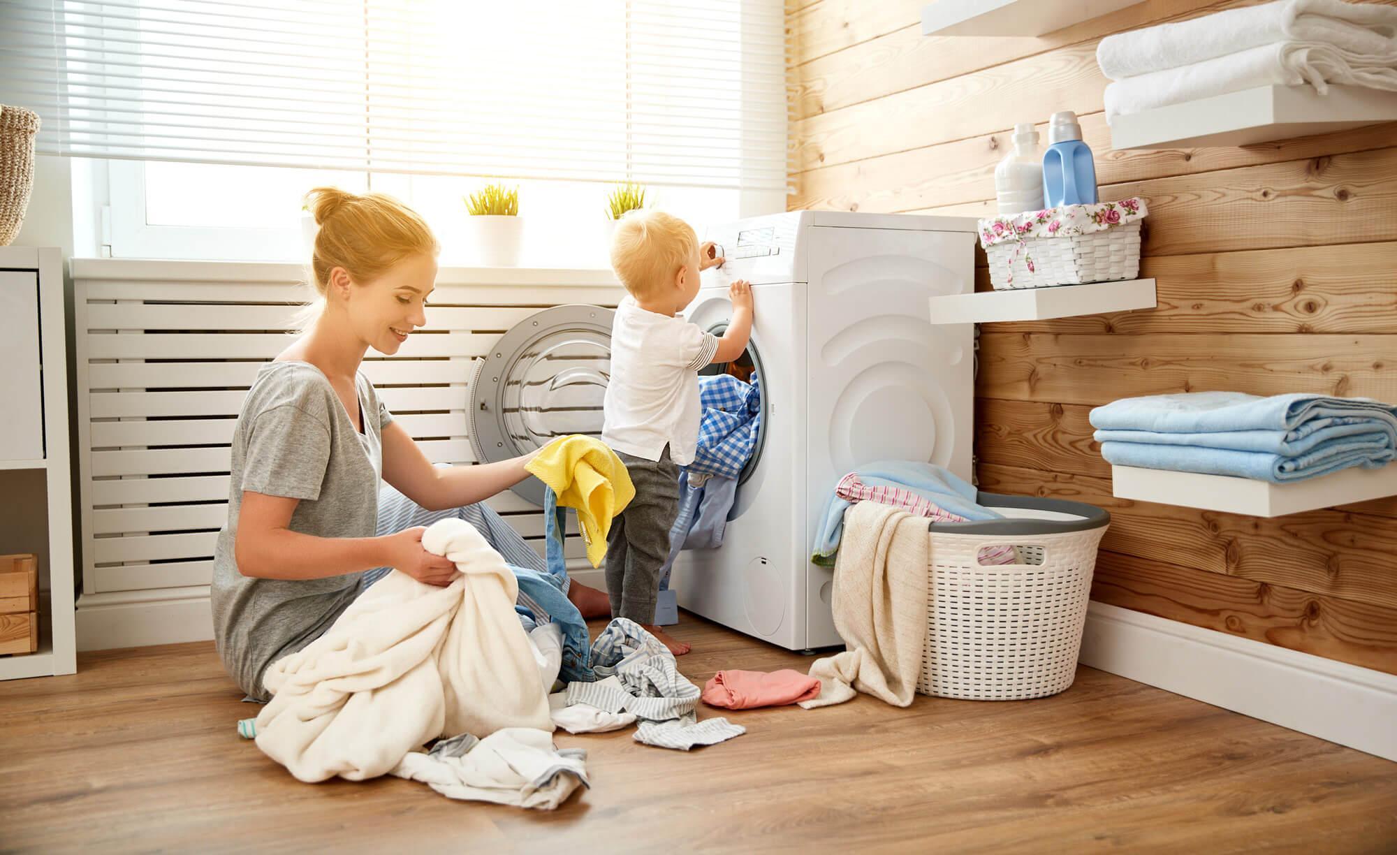 Jak prać koc, w jakiej temperaturze wyprać gruby, wełniany koc.