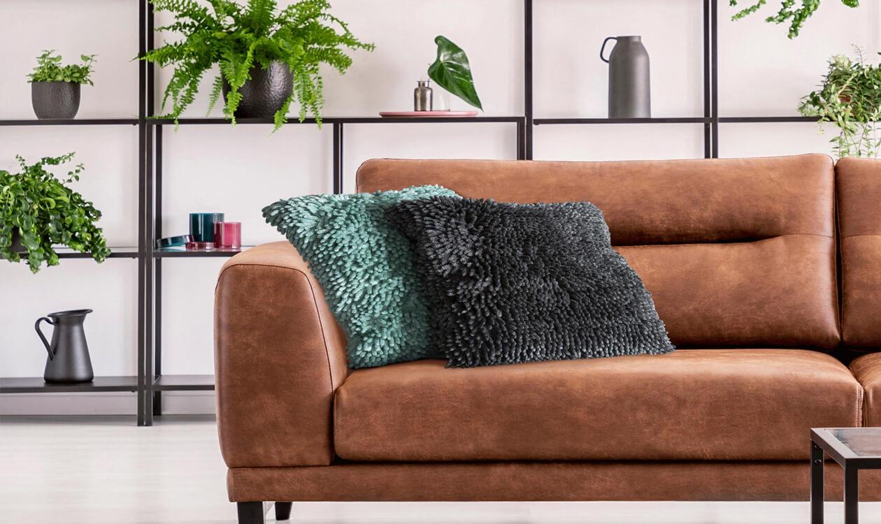Modne, nowoczesne poduszki dekoracyjne do salonu
