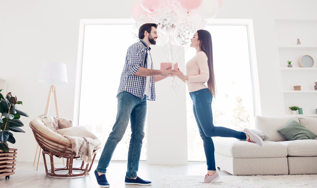 Jaki kupić prezent na rocznicę związku?