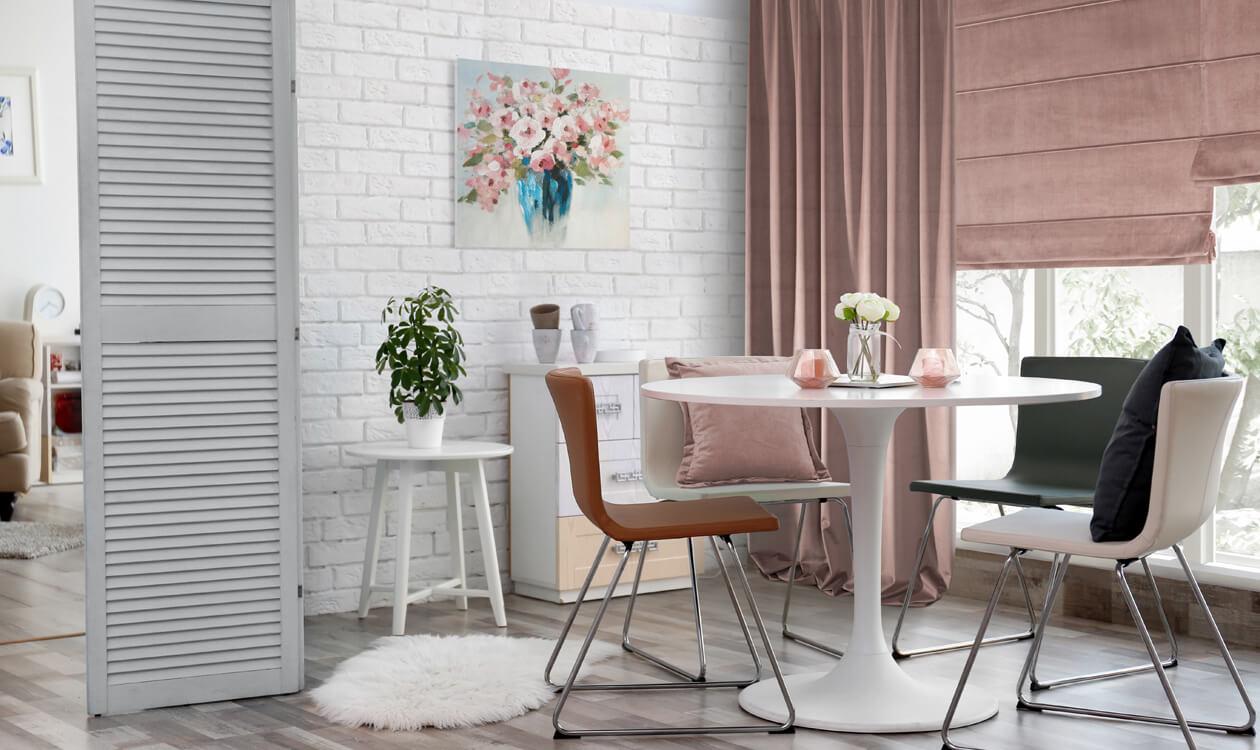 Jak urządzić salon w bloku z aneksem kuchennym?