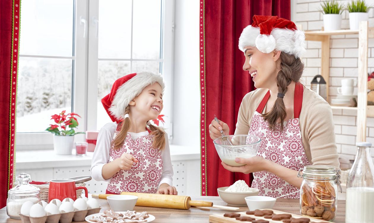 Świąteczne zasłony do kuchni – wybieramy zasłony na Boże Narodzenie 2019.