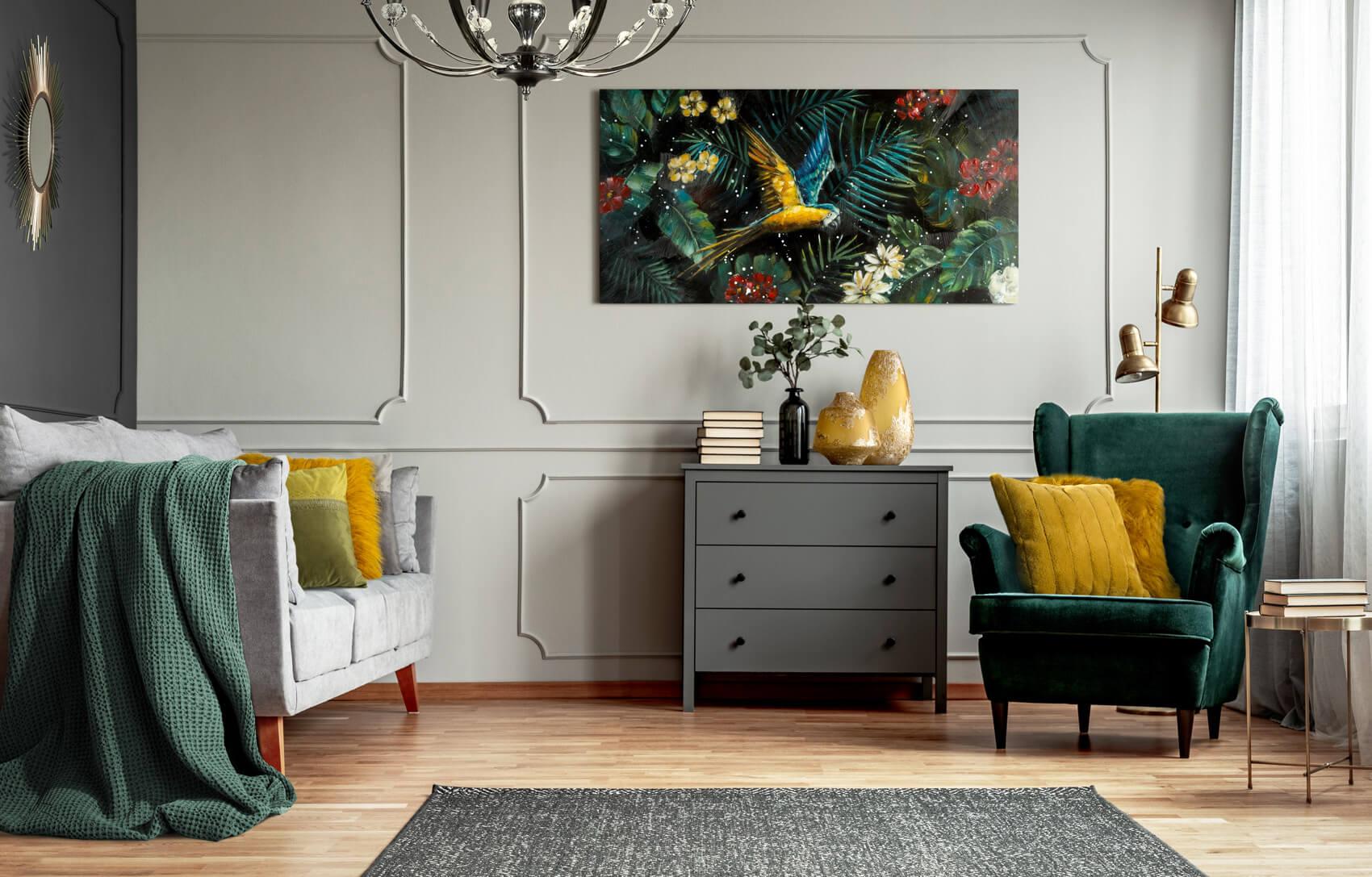Jak ożywić szary salon? 5 sposobów na to jak ocieplić szare ściany w salonie.