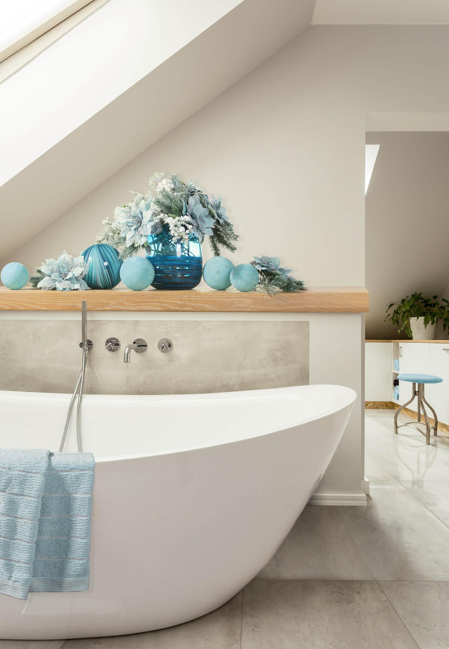 Jak udekorować łazienkę na święta?
