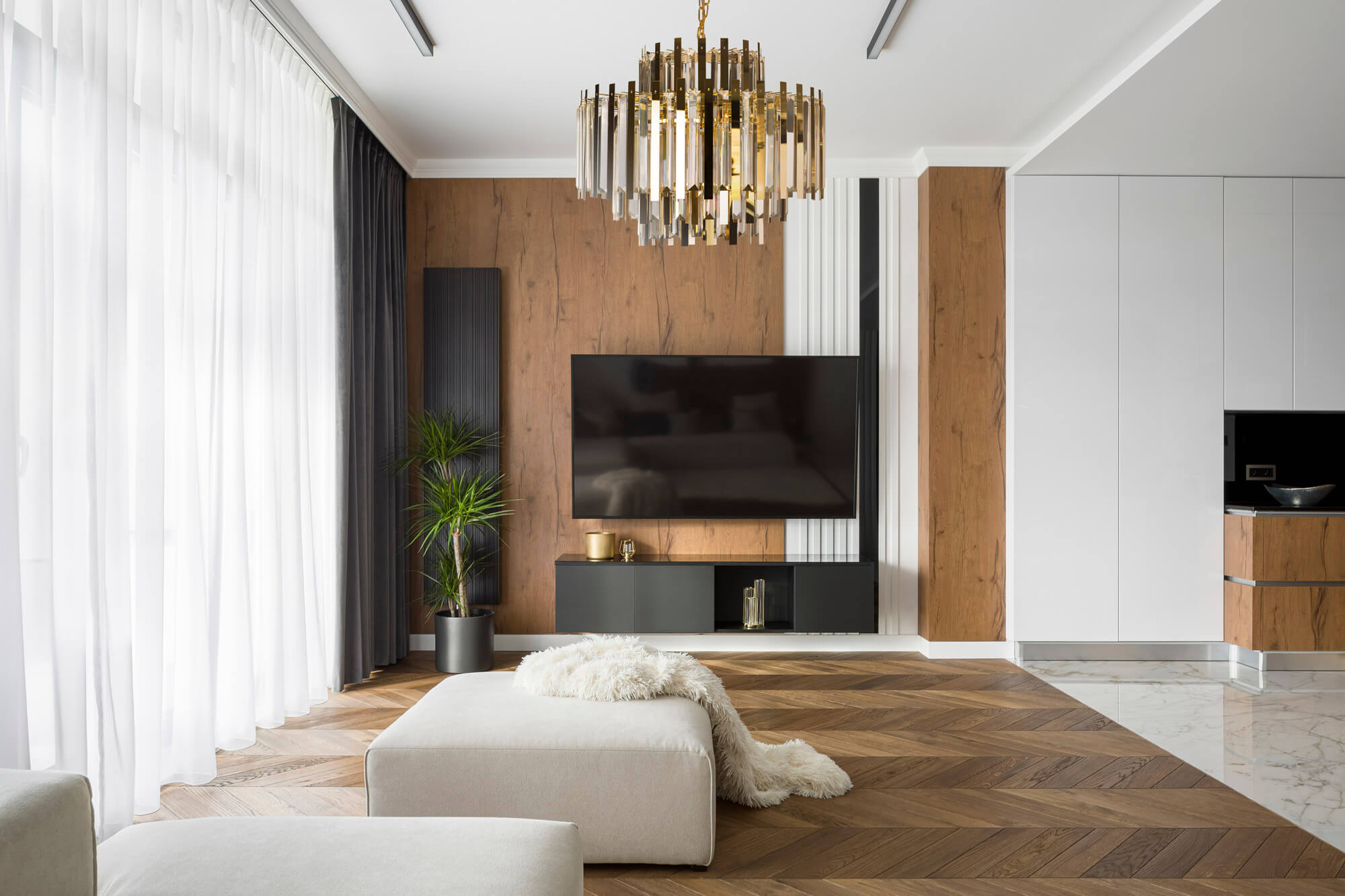 Jak wybrać podłogę do sypialni i salonu – dekorator Eurofirany radzi.