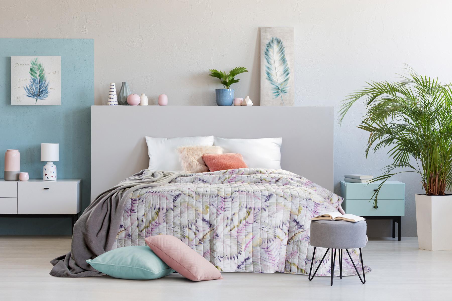 Aranżacja pastelowej sypialni – dekorator Eurofirany radzi