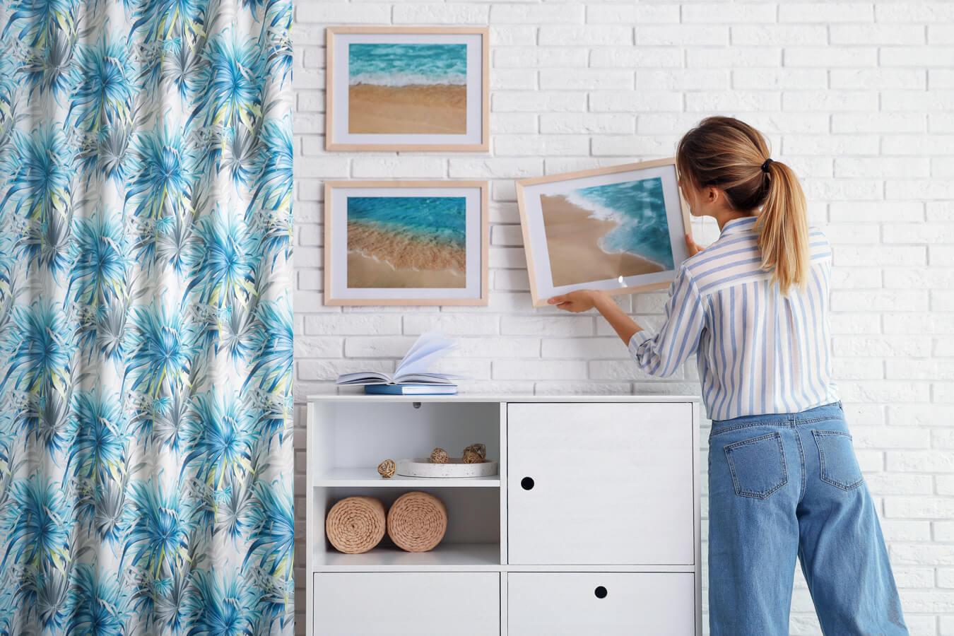 Jak zaaranżować ścianę z białej cegły w salonie?