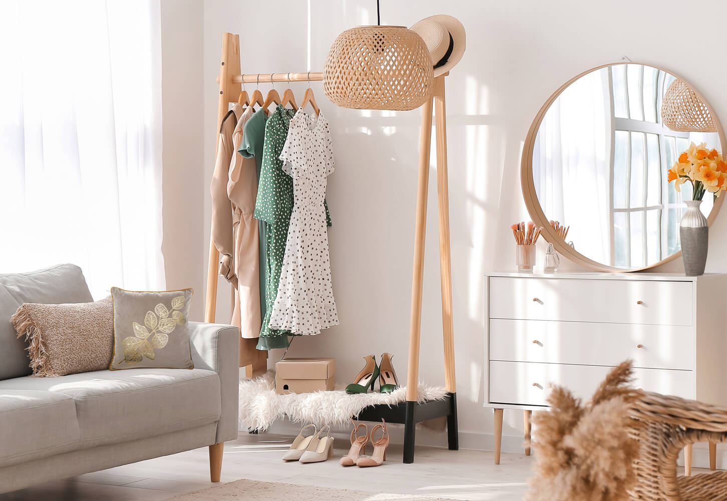 5 pomysłów na garderobę. Jak urządzić garderobę w małym pokoju?