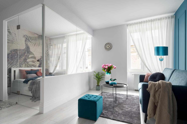 Jak wybrać firany na dwa okna obok siebie?