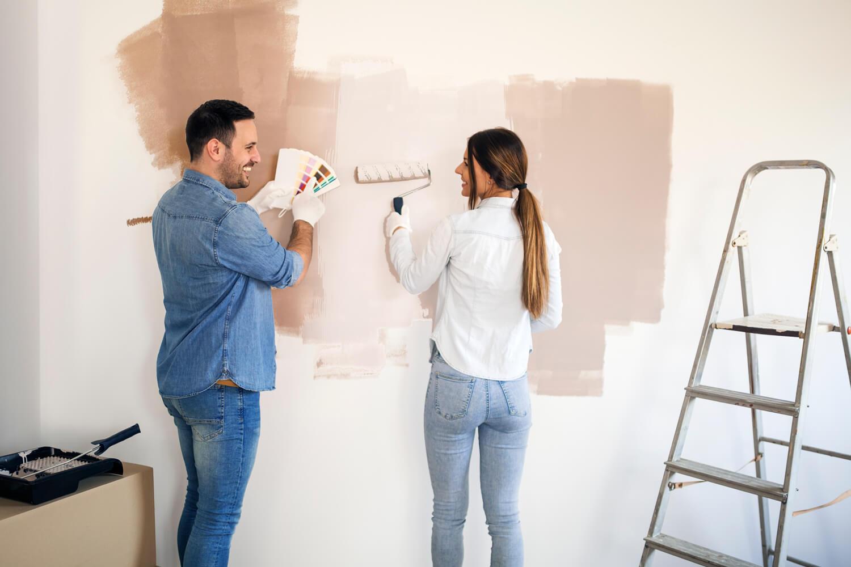 Jak samodzielnie pomalować ścianę?