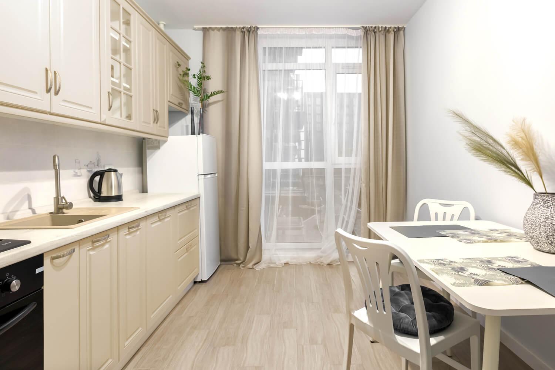 Waniliowe meble w kuchenne jaki kolor ścian