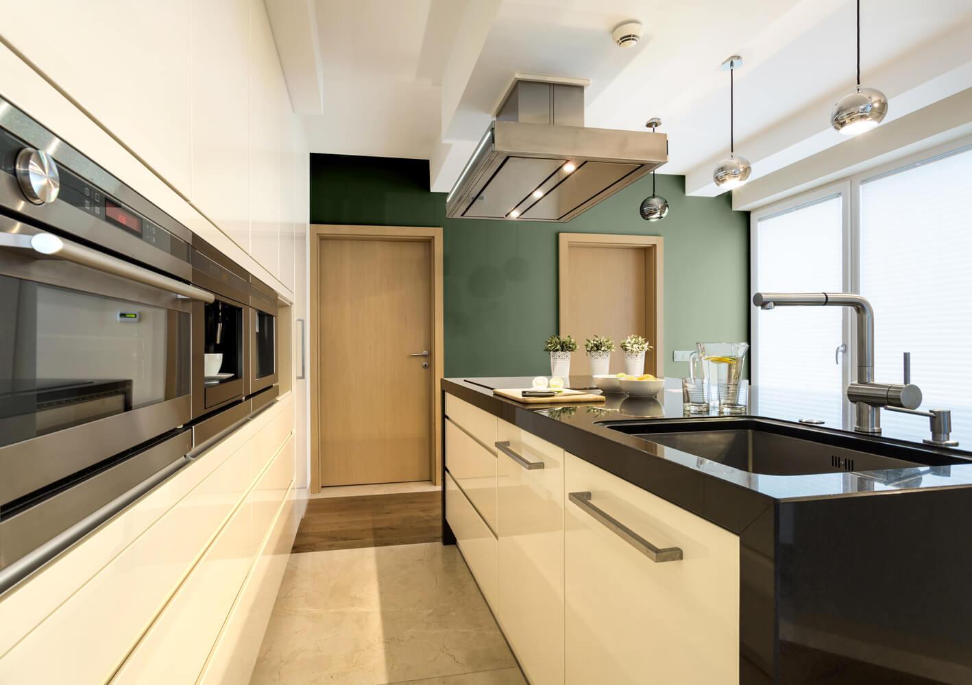 Waniliowe meble w kuchni jaki kolor ścian