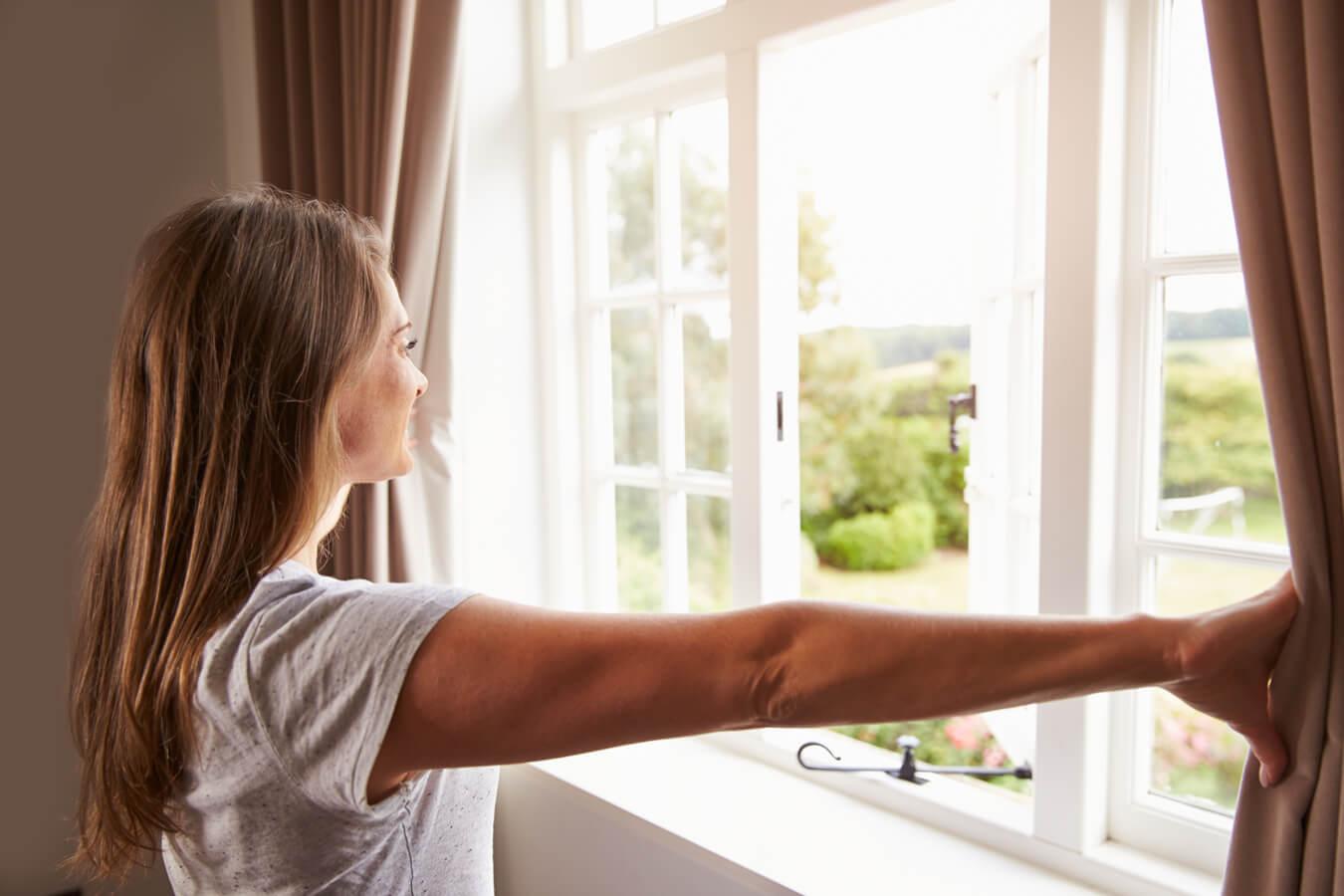 jak usunąć nieprzyjemny zapach z mieszkania