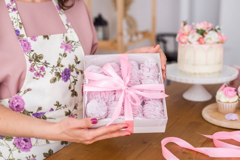 Jak zapakować słodycze na prezent?